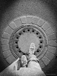 Gullideckel,Fotokunst,blackwhite,schwarz,weiß,schnappschuss